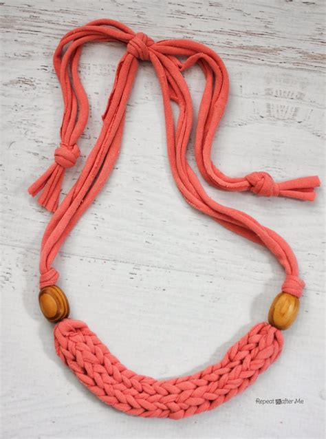 pattern for t shirt necklace how to finger weave a necklace with t shirt yarn repeat