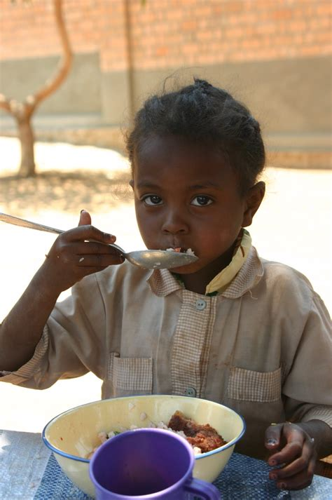 Deals November 13 2006 2 by Soutien Alimentaire Mahery Sel Projets
