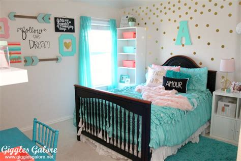 tween girl bedrooms tween girls bedroom makeover giggles galore