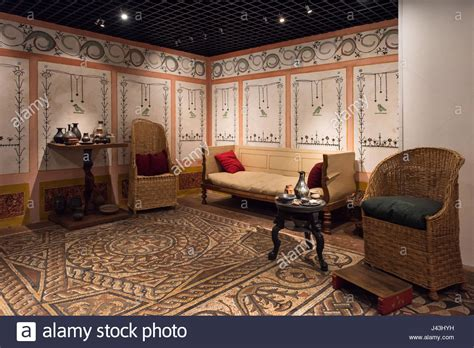 antiker speisesaal dining room triclinium museum of uk stock