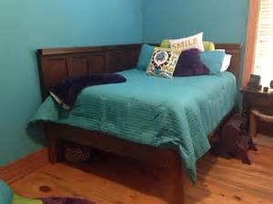 Corner Bed Headboard Hometalk Corner Size Bed Using 2 5 Panel Doors Vintage Headboards
