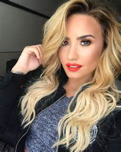 demi lovato hair colors demi lovato goes back to color in