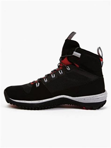 nike s black acg lunarincognito mid sneaker boots in