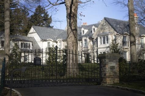 jay z house our towns scarsdale theloop