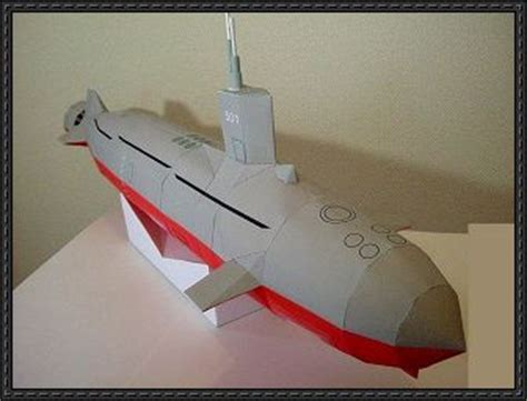 Papercraft Submarine - a submarine free paper model
