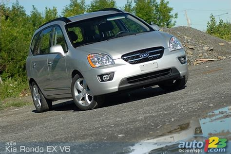 Kia Rondo 7 Seater Review List Of Car And Truck Pictures And Auto123