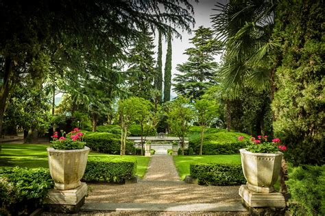 edens garden file garden villa eden jpg wikimedia commons
