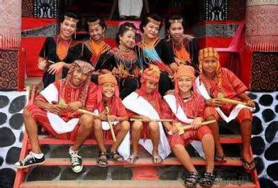 Ikat Kepala Tenun Toraja quot sewa busana betawi dot quot i ph 085211711318 atau
