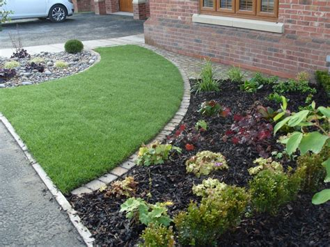 Small Front Garden Ideas Uk Small Front Garden Ideas With Parking Courtyards Small Gardens Small Front