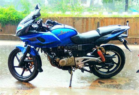 Bajaj Pulsar 2012 buy 2012 model bajaj pulsar 220 buy used pulsar