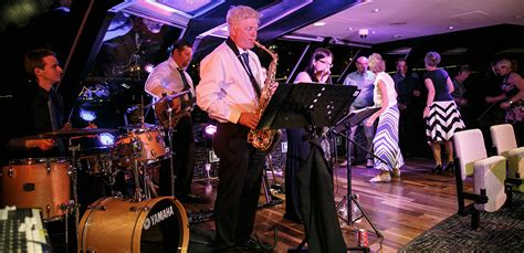 Thames River Boat Cruise With Jazz | river thames jazz cruise evening with city cruises