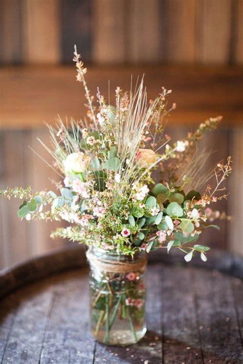 Wildflower Arrangements For Weddings by Best 25 Wildflower Centerpieces Ideas On