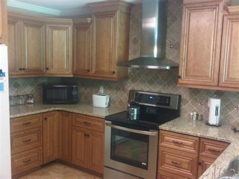 maple glaze kitchen cabinets wholesale kitchen cabinets los 17 best images about decor on pinterest oak cabinets