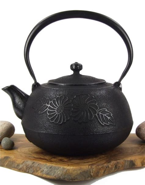 Flower Pattern Kettles | cast iron teapot kettle flower pattern black tetsubin