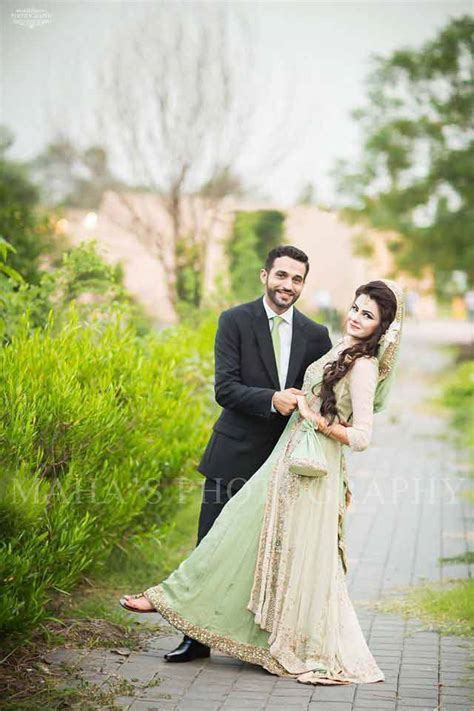 latest bridal dresses colour combination in pakistan 2017