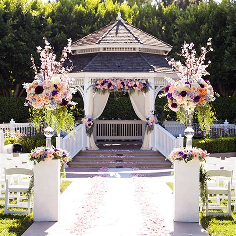 tips for choosing floral arrangements for your disneyland wedding within your budget this