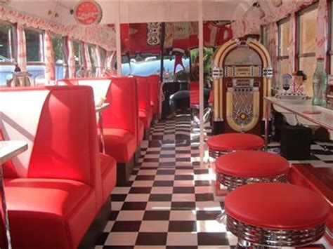 Diner Interior by 1950 S Vintage Diner Interior American Diners Buses Diners And Heavens