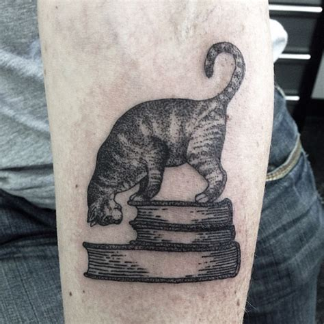Tattoo Cat Dots | 25 of the best cat tattoo ideas ever manplate