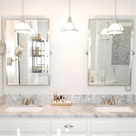 White Bathroom Lights by Best 25 Bathroom Pendant Lighting Ideas On