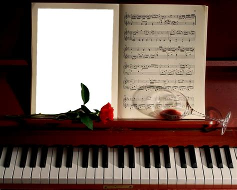 photo frame  piano gallery yopriceville high