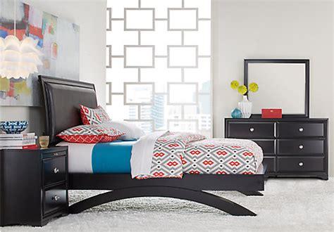 Black Platform Bedroom Sets by Belcourt Black 5 Pc King Platform Bedroom Contemporary