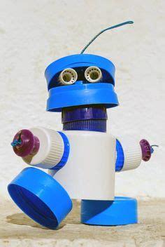robots de trozos de botellas como hacerlos avi 243 n botella refresco embotellados en pijama
