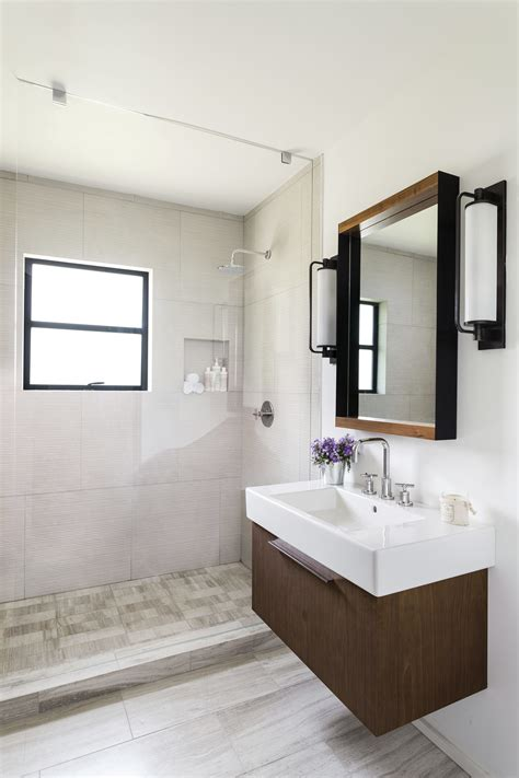 Small Bathroom Remodel Ideas Awesome Small Bathroom Remodel Awesome Hgtv Update Ideas Walk In Shower Beautiful Hgtv Bathroom Designs