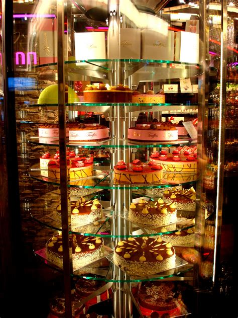 kuchen vitrine the world s best photos of cake and vitrine flickr hive mind