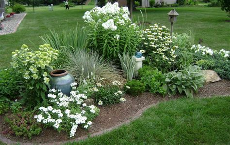 corner flower bed ideas 23 best corner flower bed ideas ideacoration co