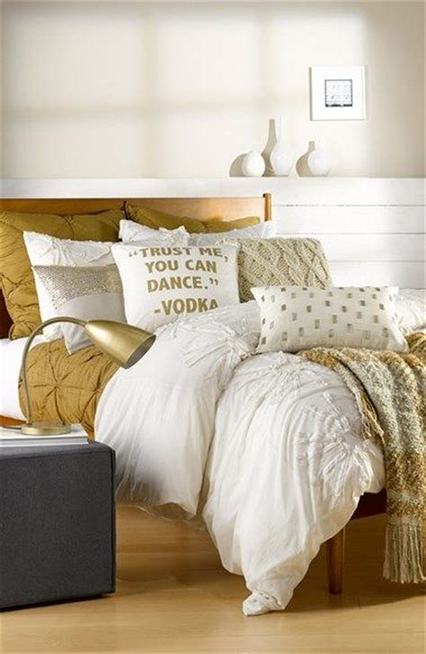 white and gold bedding 25 best ideas about gold bedding on pinterest white and