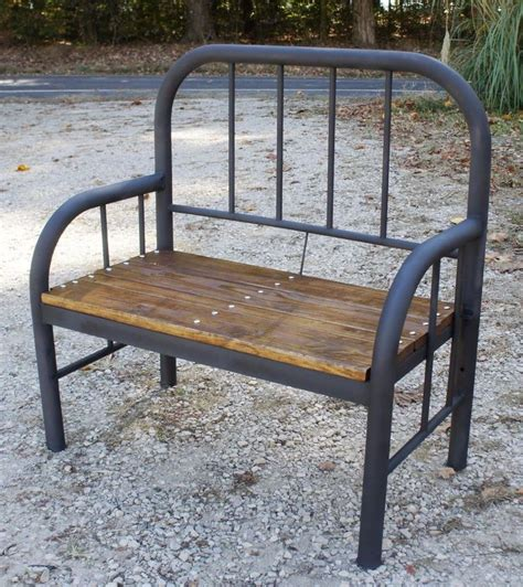 Iron Bedroom Bench by 17 Best Ideas About Antique Iron Beds On Antique Iron Iron Bed Frames And Bird Bedroom