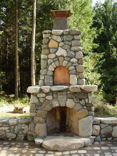 outdoor stone fireplace 25 best ideas about outdoor fire places on pinterest rustic outdoor fireplaces outdoor stone