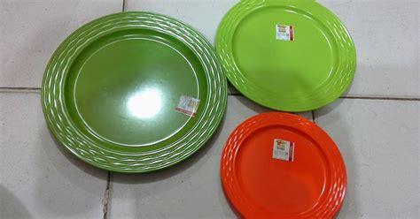 Piring Plastik Sedang P 7 selatan jaya distributor barang plastik surabaya piring melamin bulat p3607 p3609 p3610 merk