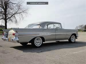 1957 Pontiac Models 1957 Pontiac Chief 347 Cu V8 Silver Beige