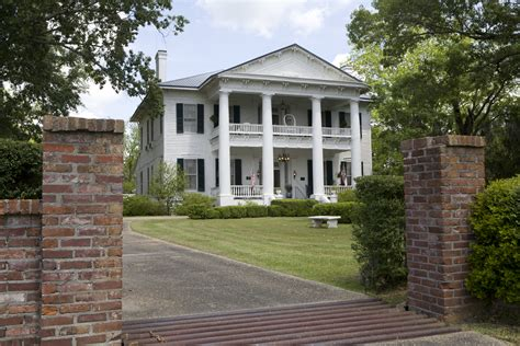 southern plantation home rosswood plantation in lorman is a historic 1857 cotton