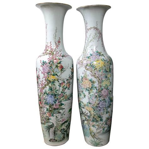 Oriental Floor Vases Large Pair Of Chinese Porcelain Floor Vases At 1stdibs