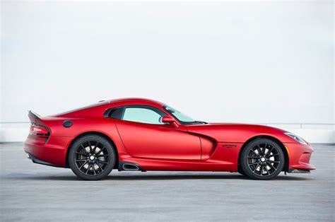 dodge viper dodge viper reviews research new used models motor trend