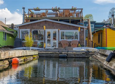 house boats for sale in seattle seattle afloat seattle houseboats floating homes networkedblogs by ninua
