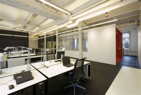 office interior designer creating office space design effectively and efficiently