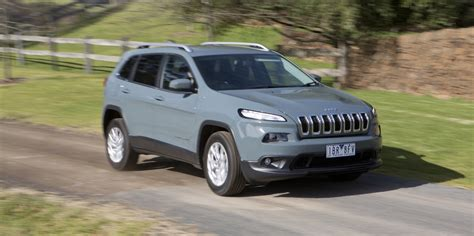 jeep mazda medium suv comparison jeep cherokee v mazda cx 5 v