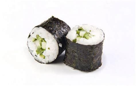 come fare il sushi a casa come fare il sushi futomaki in casa