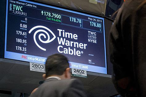 time warner cable to contact 320 000 customers about