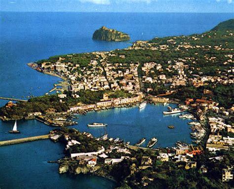 foto ischia porto il porto di ischia breve storia 3 171 ponza racconta