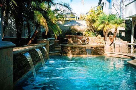 Backyard Pool And Spa Tops In Oc Pools Spas And Decks Design Construction And Repairs Shell Sea S Pools And Spas