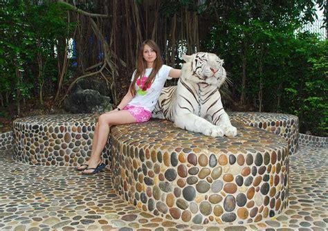 Wisata Million Years Stone Park And Pattaya Crocodile Farm ...