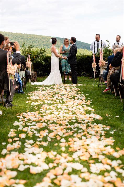 Wedding Aisle Or Isle by Petal Wedding Aisle Runners 5 Stylish