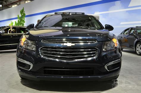 2015 Chevrolet Cruze At 2014 New York Auto Show | 2015 chevrolet cruze at 2014 new york auto show front
