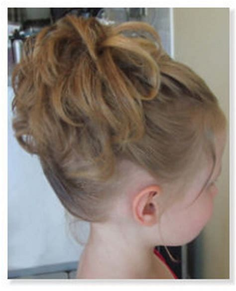 flower girl hairstyles long curly hair flower girl hairstyles