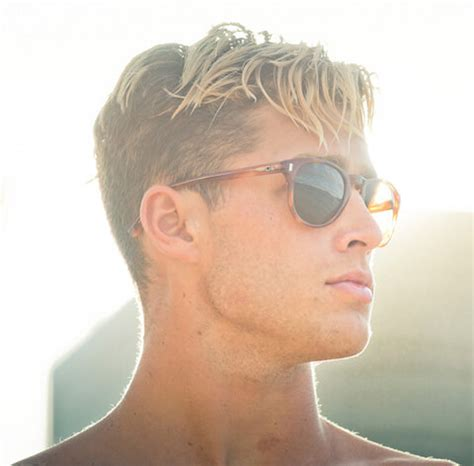 mens hairstyle trends    itching