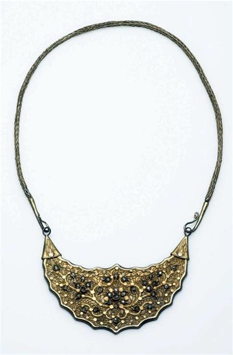 Kalung Choker Crown 6902 1443 best images about on javanese balinese and borobudur